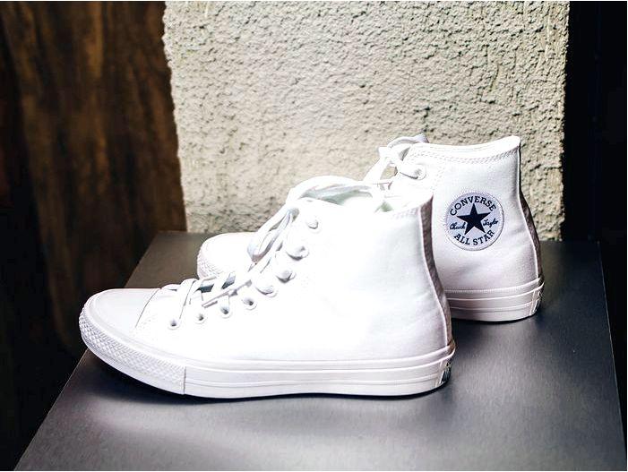Как носить и ухаживать за обувью конверс?