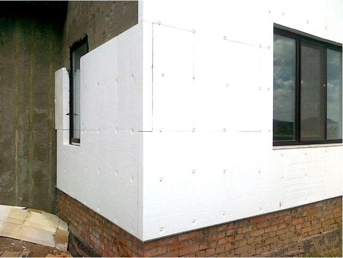 Утепление дома: какой пенополистирол выбрать для фасадов? Параметры при выборе пенополистирола